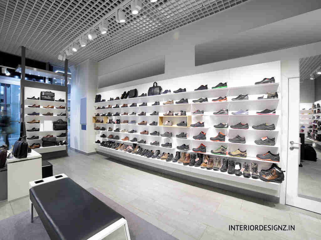 SHOE and sandals SHOWROOM